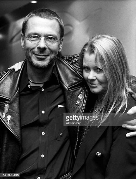 Reinhard Mey *Singer songwriter composer musician balladeerwith his wife Hella 1995