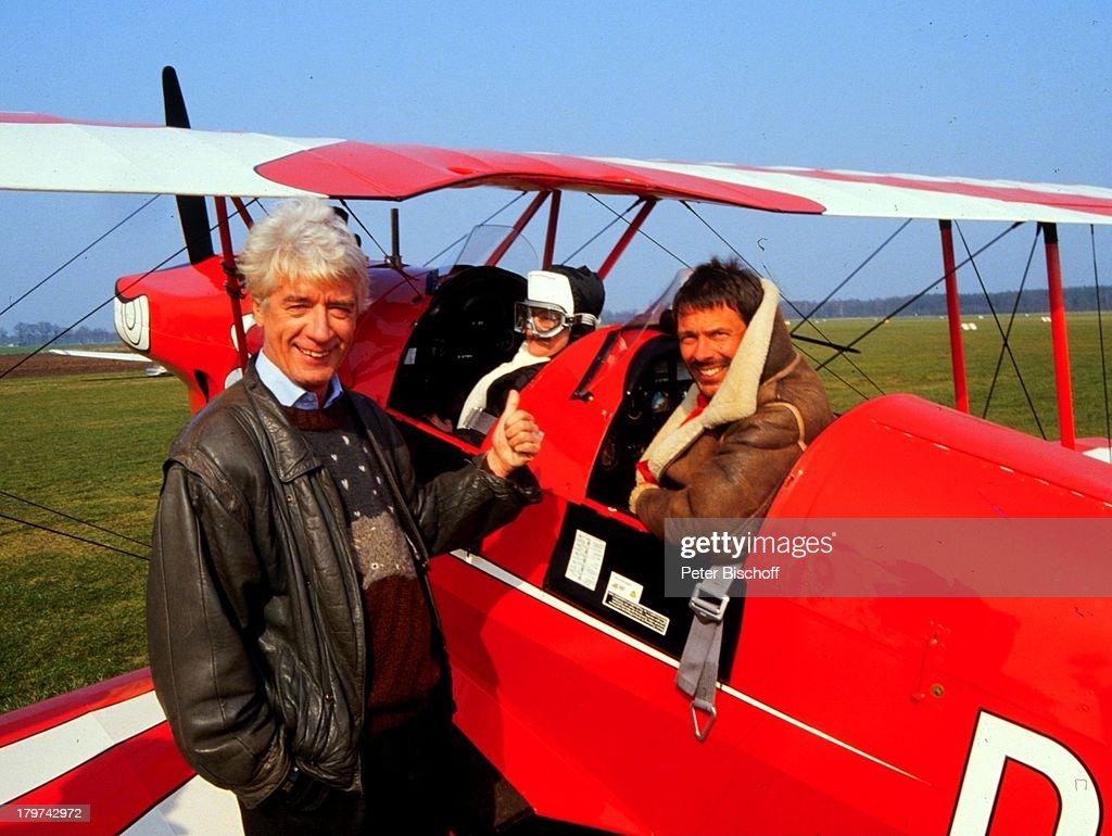 http://media.gettyimages.com/photos/reinhard-mey-und-rudi-carrell-ardshow-die-rudi-carrellshow-flugzeug-picture-id179742972