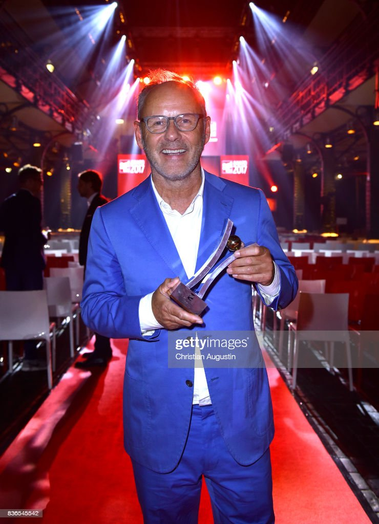 Reinhold Beckmann wins the TV Award during the Sport Bild Award at the Fischauktionshalle on August 21, 2017 in Hamburg, Germany.