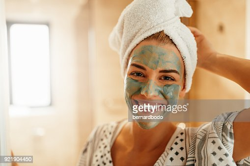 Rejuvenating her skin : Foto stock