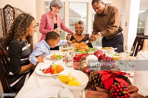 Relations: En famille ou entre amis, réunissez-vous pour dîner de Noël ou fête de fin d'année