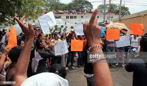 Relatives of inmates of the Sabaneta jail in Maracaibo a city in northwesten Venezuela protest against transfers and in demand of security guarantees...