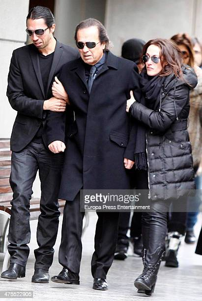 Relatives of Spanish guitarrist Paco de Lucia Pepe de Lucia and Malu are seen arriving at M30 morgue on February 28 2014 in Madrid Spain