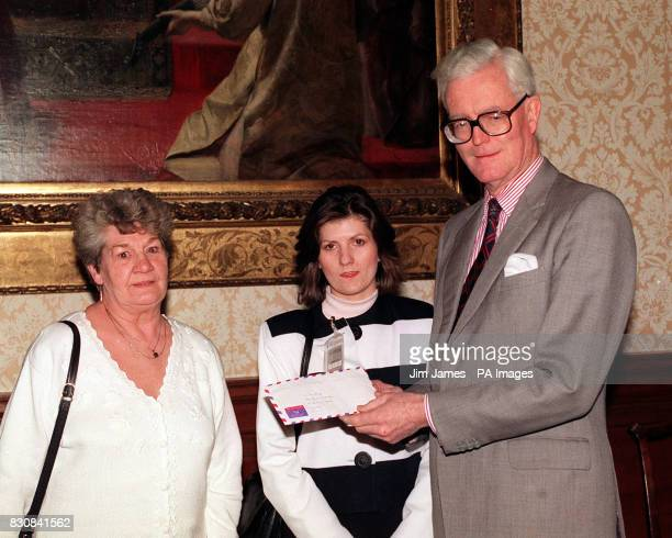 Relatives of the two Britons jailed in Iraq hand over a letter from the men addressed to the Prime Minister to Foreign Secretary Douglas Hurd Iris...