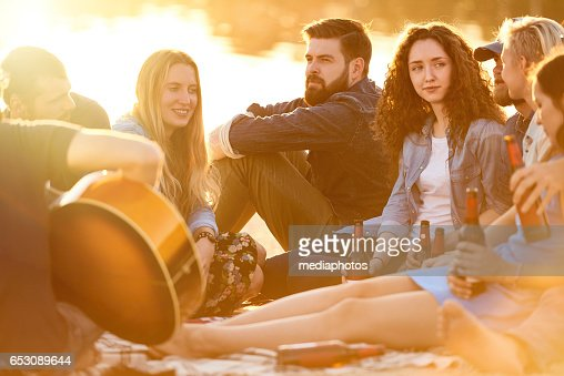 Relaxing at beach : Stockfoto