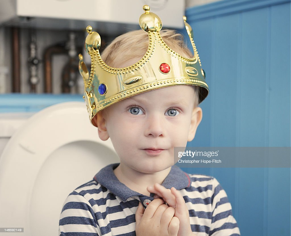 Relaxing on his throne : Stock Photo