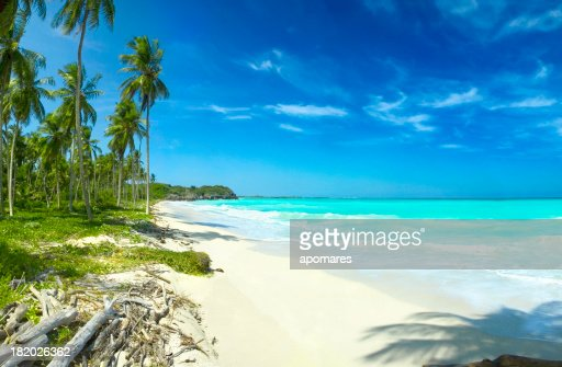 Relaxing tropical Caribbean white sand turquoise island beach pa : Stock Photo
