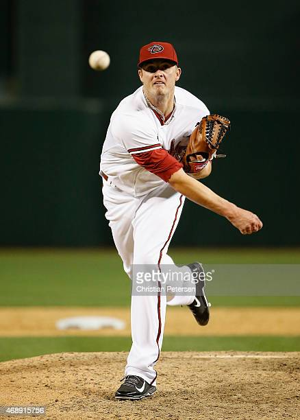 Relief pitcher Addison Reed of the Arizona Diamondbacks pitches against the San Francisco Giants during the sixth inning of the MLB game at Chase...