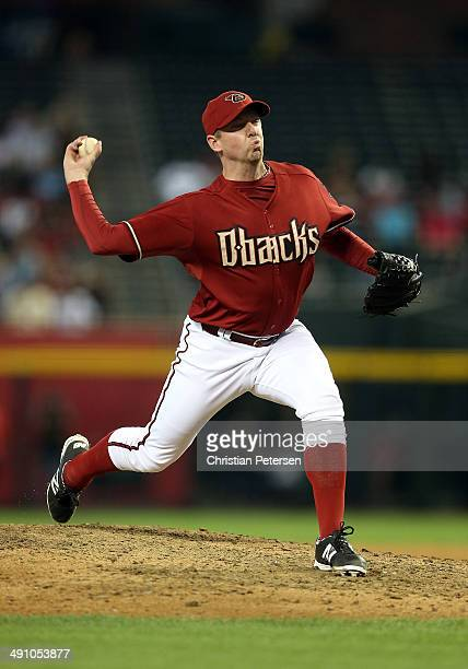 Relief pitcher Brad Ziegler of the Arizona Diamondbacks pitches against the Washington Nationals during the MLB game at Chase Field on May 14 2014 in...