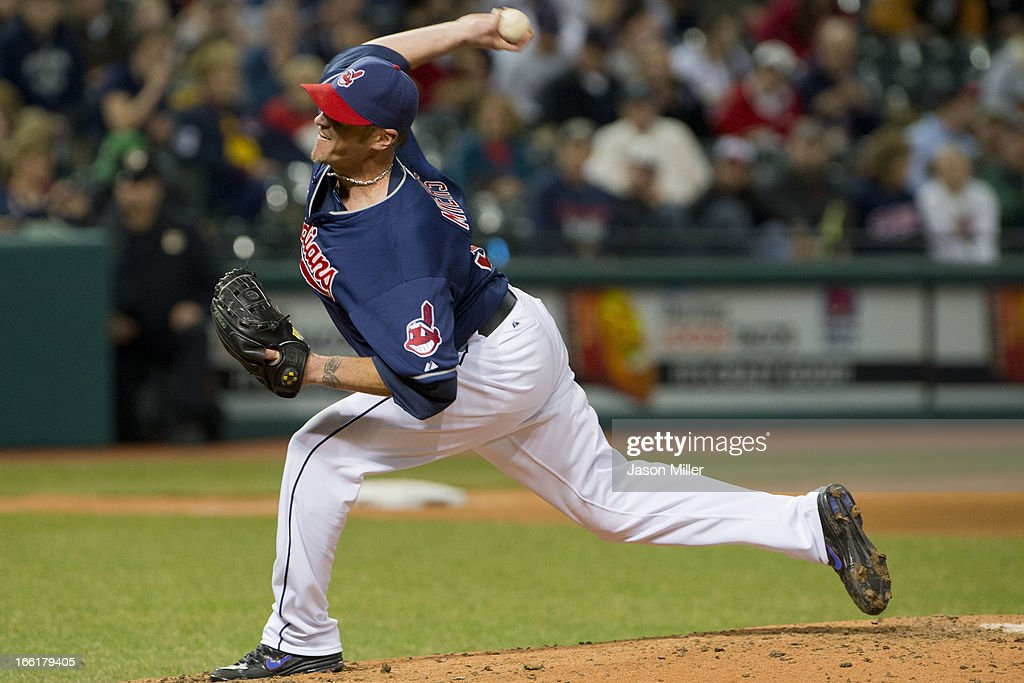 Relief pitcher <a gi-track='captionPersonalityLinkClicked' href=/galleries/search?phrase=Brett+Myers&family=editorial&specificpeople=210501 ng-click='$event.stopPropagation()'>Brett Myers</a> #39 of the Cleveland Indians pitches during the fifth inning against the New York Yankees at Progressive Field on April 9, 2013 in Cleveland, Ohio.