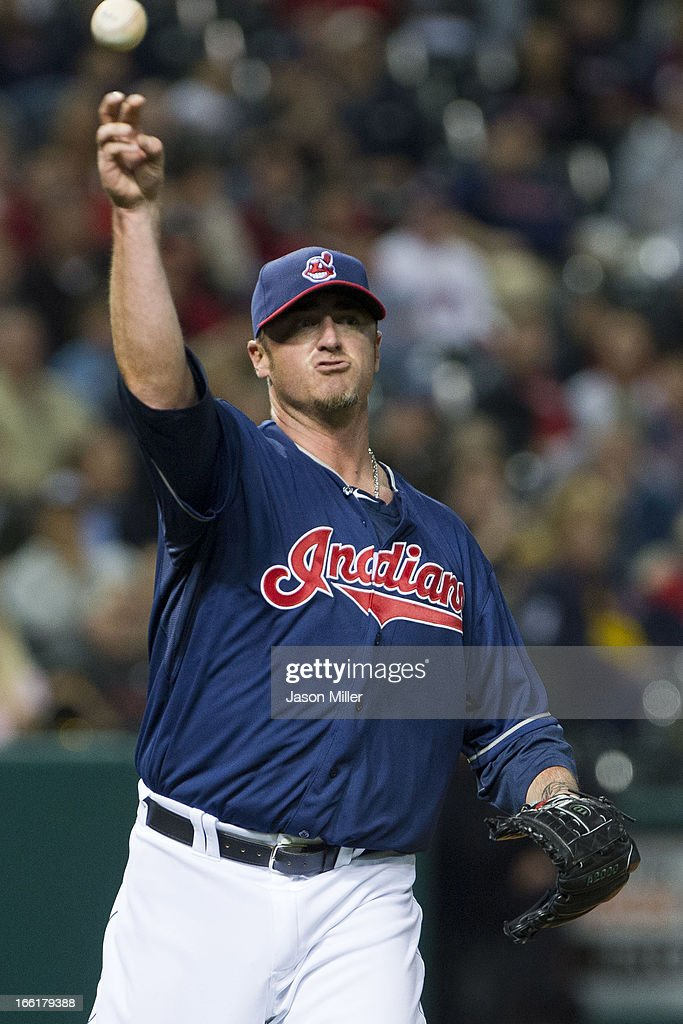 Relief pitcher <a gi-track='captionPersonalityLinkClicked' href=/galleries/search?phrase=Brett+Myers&family=editorial&specificpeople=210501 ng-click='$event.stopPropagation()'>Brett Myers</a> #39 of the Cleveland Indians throws out Lyle Overbay #55 of the New York Yankees during the fifth inning at Progressive Field on April 9, 2013 in Cleveland, Ohio.