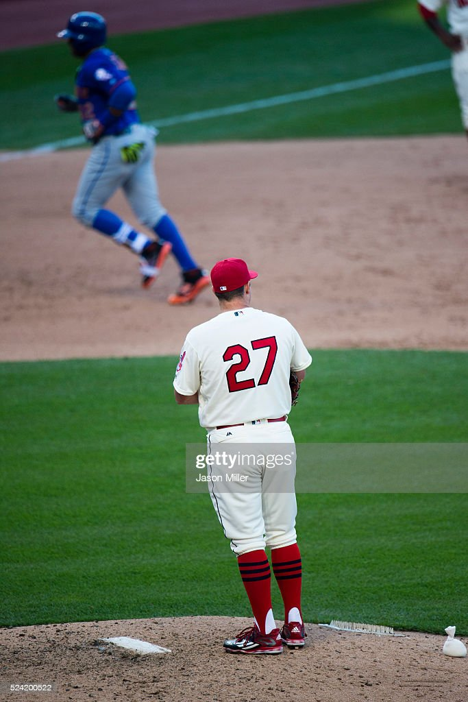 Relief pitcher <a gi-track='captionPersonalityLinkClicked' href=/galleries/search?phrase=Bryan+Shaw+-+Baseball+Player&family=editorial&specificpeople=11376278 ng-click='$event.stopPropagation()'>Bryan Shaw</a> #27 of the Cleveland Indians watches as <a gi-track='captionPersonalityLinkClicked' href=/galleries/search?phrase=Yoenis+Cespedes&family=editorial&specificpeople=8892047 ng-click='$event.stopPropagation()'>Yoenis Cespedes</a> #52 of the New York Mets rounds the bases on a homer during the eighth inning at Progressive Field on April 16, 2016 in Cleveland, Ohio. The Indians defeated the Mets 7-5.