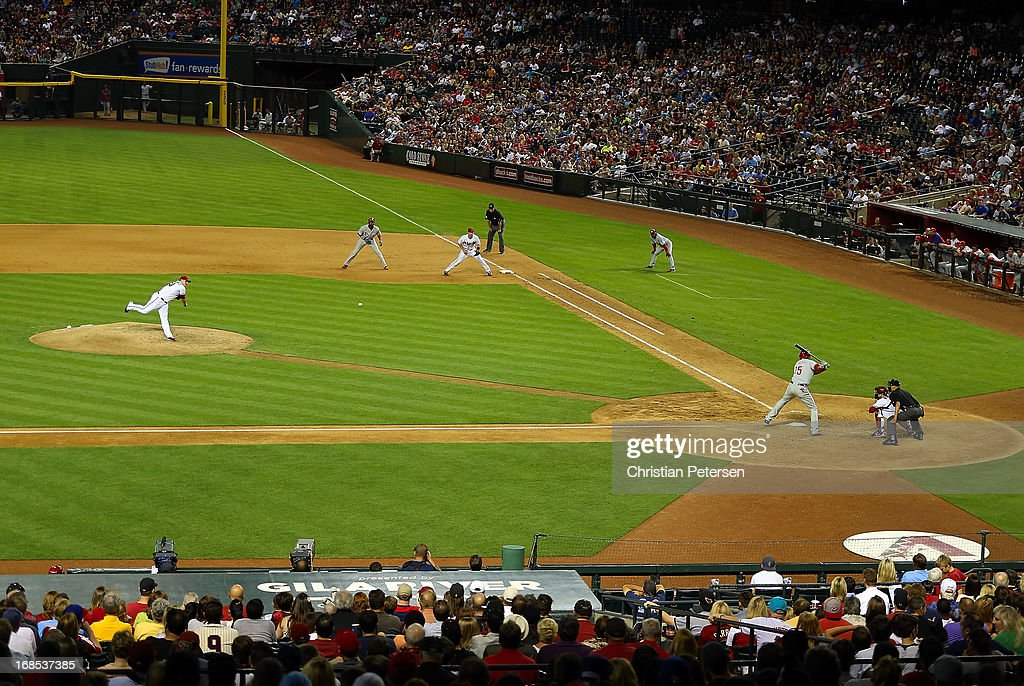 Relief pitcher David Hernandez #30 of the Arizona Diamondbacks pitches against <a gi-track='captionPersonalityLinkClicked' href=/galleries/search?phrase=John+Mayberry+Jr.&family=editorial&specificpeople=4959058 ng-click='$event.stopPropagation()'>John Mayberry Jr.</a> #15 of the Philadelphia Phillies during the MLB game at Chase Field on May 10, 2013 in Phoenix, Arizona. The Diamondbacks defeated the Phillies 3-2.
