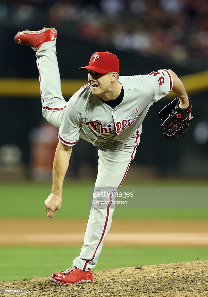 Relief pitcher <a gi-track='captionPersonalityLinkClicked' href=/galleries/search?phrase=Jonathan+Papelbon&family=editorial&specificpeople=453535 ng-click='$event.stopPropagation()'>Jonathan Papelbon</a> #58 of the Philadelphia Phillies pitches against the Arizona Diamondbacks during the MLB game at Chase Field on May 12, 2013 in Phoenix, Arizona. The Phillies defeated the Diamondbacks 4-2 in 10 innings.