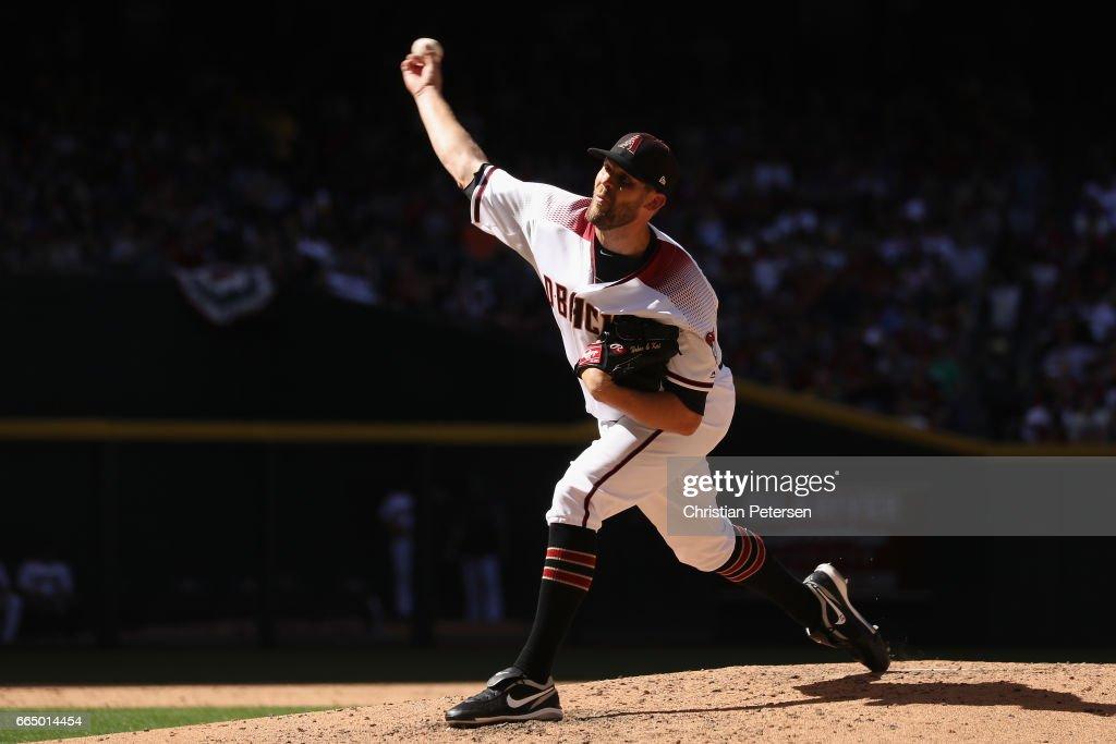 relief-pitcher-tom-wilhelmsen-of-the-ari