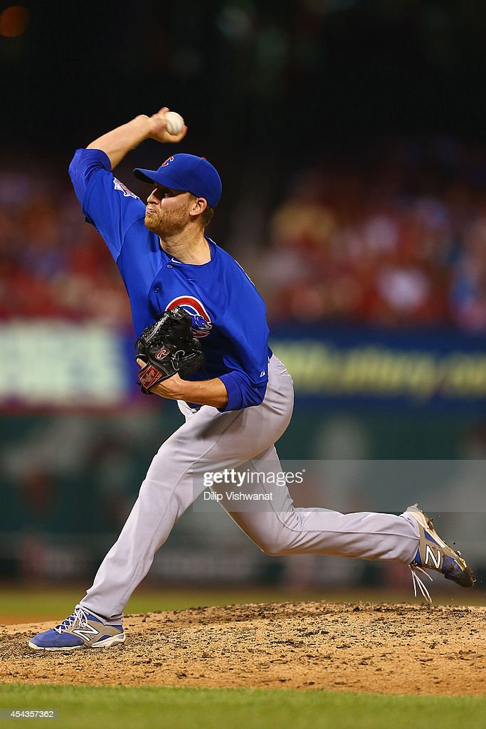 Reliever Neil Ramirez #54 of the Chicago Cubs pitches against the St. Louis Cardinals in the seventh inning at Busch Stadium on August 29, 2014 in St. Louis, Missouri. The Cubs beat the Cardinals 7-2.