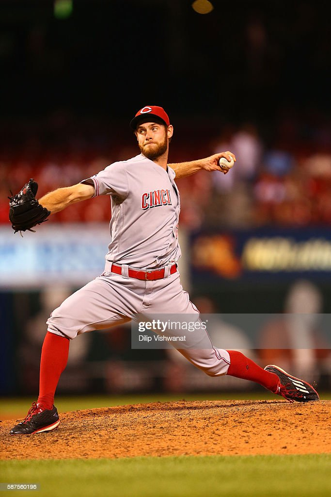 Reliever Tony Cingrani of the Cincinnati Reds pitches against the St Louis Cardinals in the ninth inning at Busch Stadium on August 8 2016 in St...