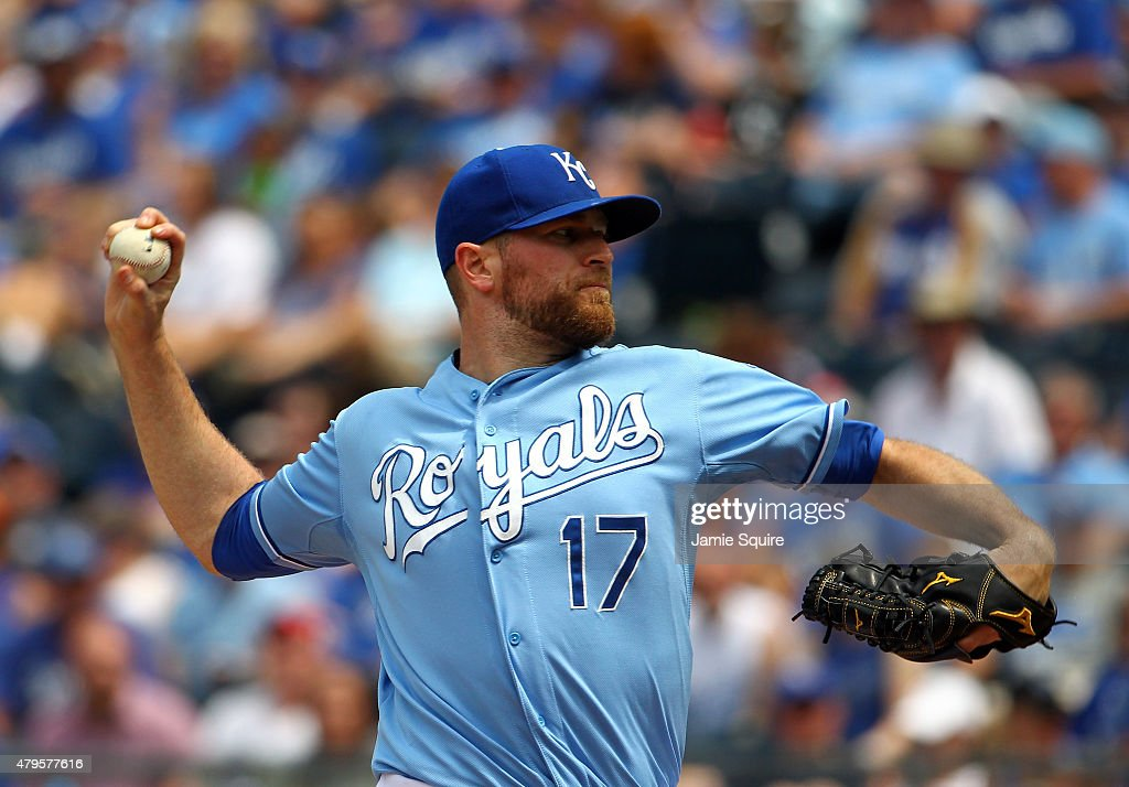 Reliever <a gi-track='captionPersonalityLinkClicked' href=/galleries/search?phrase=Wade+Davis+-+Baseball+Player&family=editorial&specificpeople=8202494 ng-click='$event.stopPropagation()'>Wade Davis</a> #17 of the Kansas City Royals pitches during the game against the Minnesota Twins at Kauffman Stadium on July 5, 2015 in Kansas City, Missouri.