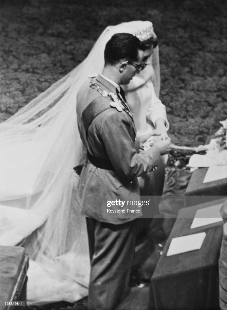 Religious wedding of King Baudouin I of Belgium with Fabiola de Mora y Aragon in St Michael and St Gudula cathedral in Brussels Belgium on December...