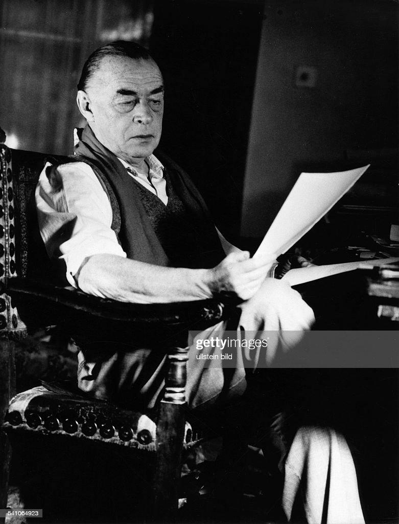 Remarque, Erich Maria *22.06.1898-+(Eigentlich Erich Paul Remark)Schriftsteller, D- Portrait- 1962