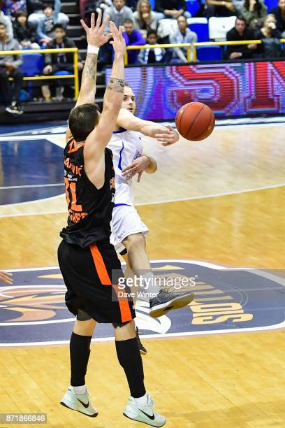 Remi Lesca of Levallois and Andrija Stipanovic of Cedevita Zagreb during the EuropCup match between Levallois Metropolitans and Cedevita Zagreb at...