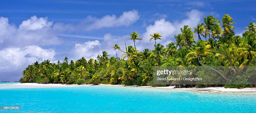 Remote island near Barefoot Island