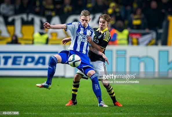 SOLNA SWEDEN OCTOBER Sören Rieks of Goteborg and Johan Blomberg of AIK in action during the Allsvenskan match between AIK and IFK Goteborg at...