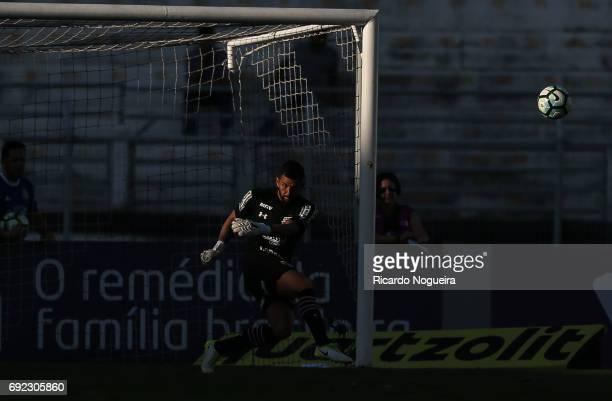 Renan Ribeiro of Sao Paulo on the ball during the match between Ponte Preta and Sao Paulo as a part of Campeonato Brasileiro 2017 at Moises Lucarelli...