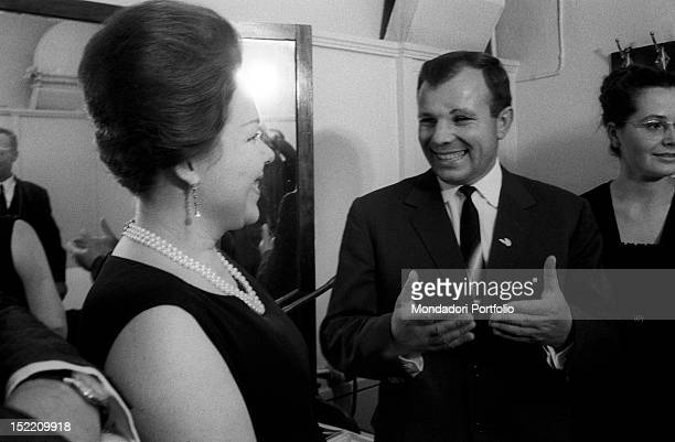 Renata Scotto is smiling and talking to the Soviet astronaut Yuri Gagarin on the left his wife Valentina Goryacheva Bolshoi Theatre Moscow September...