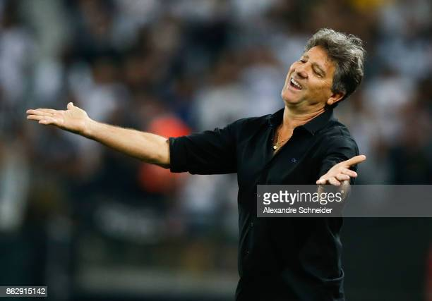 Renato Gaucho head coach of Gremio in action during the match between Corinthians v Gremio for the Brasileirao Series A 2017 at Arena Corinthians...