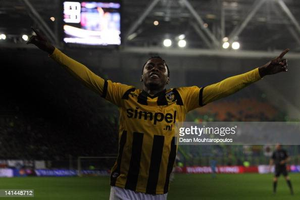 Renato Ibarra of Vitesse celebrates scoring the second goal of the game during the Eredivisie match between Vitesse Arnhem and SC Heracles Almelo at...