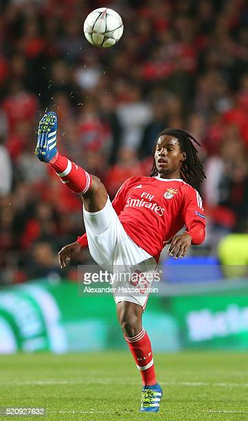 Renato Sanches of Benfica clears the ball during the UEFA Champions League quarter final second leg match between SL Benfica and FC Bayern Muenchen...