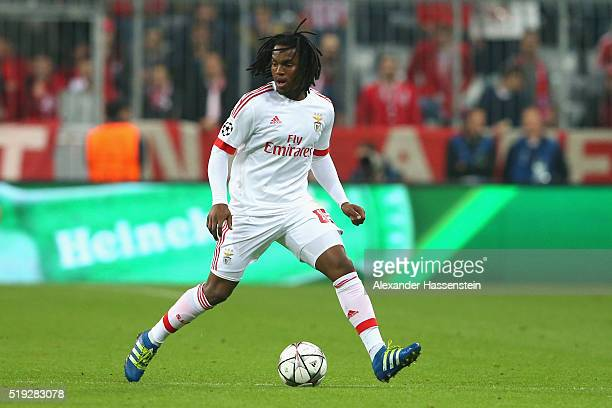 Renato Sanches of Benfica runs with the ball during the UEFA Champions League quarter final first leg match between FC Bayern Muenchen and SL Benfica...