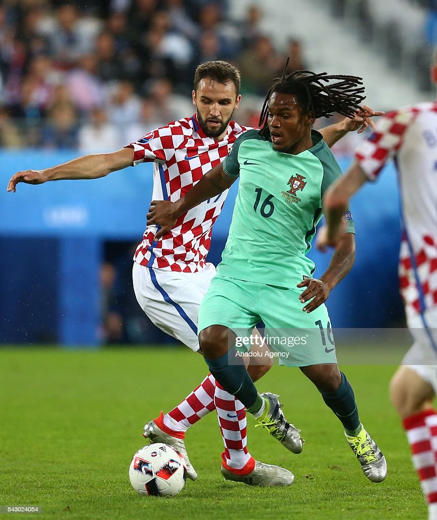 Renato Sanches (R) of Portugal in action during the Euro 2016 round of 16 football match between Croatia and Portugal at Stade Bollaert-Delelis in Lens, France on June 25, 2016.