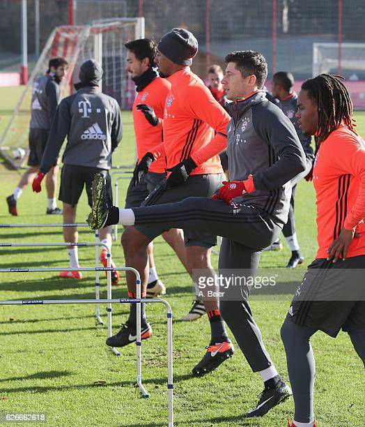 Renato Sanches Robert Lewandowski Jerome Boateng and Mats Hummels of FC Bayern Muenchen warm up during a training session at the Saebener Strasse...