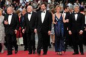 Renato Scarpa Jerzy Stuhr Margherita Buy Nanni Moretti Michel Piccoli and Dario Cantarelli at the premiere of 'Habemus Papam' during the 64th Cannes...