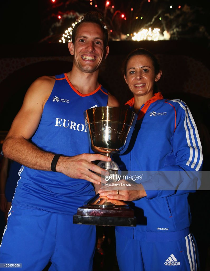 <a gi-track='captionPersonalityLinkClicked' href=/galleries/search?phrase=Renaud+Lavillenie&family=editorial&specificpeople=4955096 ng-click='$event.stopPropagation()'>Renaud Lavillenie</a> and <a gi-track='captionPersonalityLinkClicked' href=/galleries/search?phrase=Jo+Pavey&family=editorial&specificpeople=2299606 ng-click='$event.stopPropagation()'>Jo Pavey</a>, Captains of Europe pictured with the trophy after winning the IAAF Continental Cup at the Stade de Marrakech on September 14, 2014 in Marrakech, Morocco.