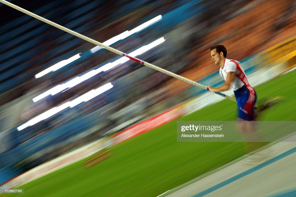 <a gi-track='captionPersonalityLinkClicked' href=/galleries/search?phrase=Renaud+Lavillenie&family=editorial&specificpeople=4955096 ng-click='$event.stopPropagation()'>Renaud Lavillenie</a> of France competes in the men's pole vault final during day three of the 13th IAAF World Athletics Championships at the Daegu Stadium on August 29, 2011 in Daegu, South Korea.