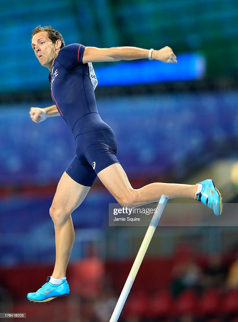 <a gi-track='captionPersonalityLinkClicked' href=/galleries/search?phrase=Renaud+Lavillenie&family=editorial&specificpeople=4955096 ng-click='$event.stopPropagation()'>Renaud Lavillenie</a> of France competes in the Men's Pole Vault final during Day Three of the 14th IAAF World Athletics Championships Moscow 2013 at Luzhniki Stadium on August 12, 2013 in Moscow, Russia.