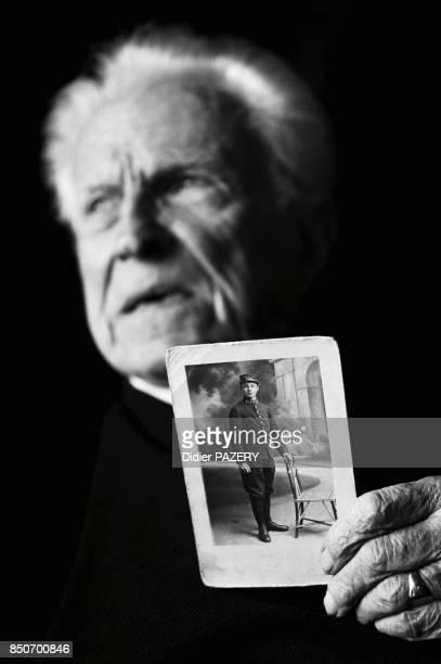RenéAuguste Vincent ancien combattant de la guerre de 1418 né en 1897 à Metz Il s'engage dans l'armée française le 23 septembre 1914 blessé six fois...