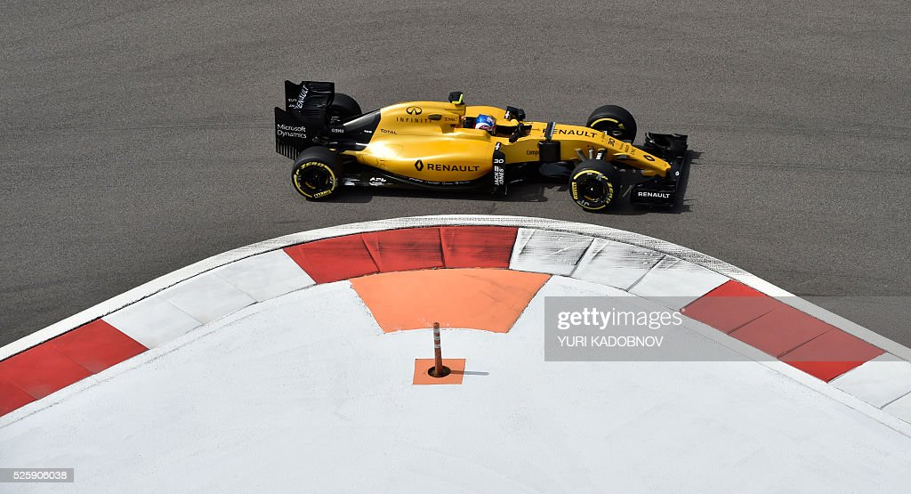 Renault Sport F1 Team's British driver Jolyon Palmer steers his car during the first practice session of the Formula One Russian Grand Prix at the Sochi Autodrom circuit on April 29, 2016. / AFP / YURI