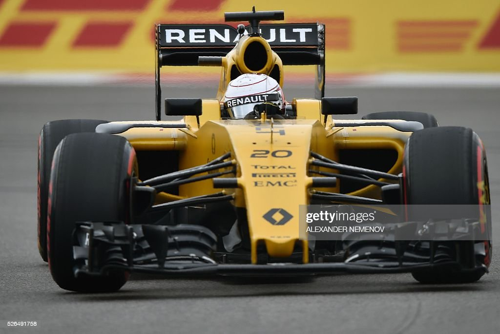 Renault Sport F1 Team's Danish driver Kevin Magnussen steers his car during the qualifying session of the Formula One Russian Grand Prix at the Sochi Autodrom circuit on April 30, 2016. / AFP / ALEXANDER