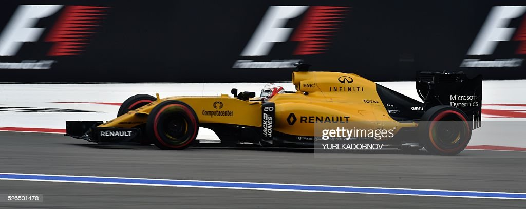 Renault Sport F1 Team's Danish driver Kevin Magnussen steers his car during the qualifying session of the Formula One Russian Grand Prix at the Sochi Autodrom circuit on April 30, 2016. / AFP / YURI