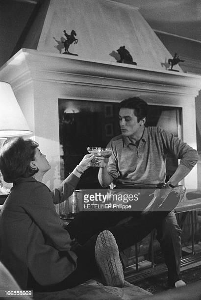 Rendezvous With Alain Delon And Romy Schneider At Home Romy SCHNEIDER et Alain DELON dans leur hôtel particulier de l'avenue de Messine à PARIS le...