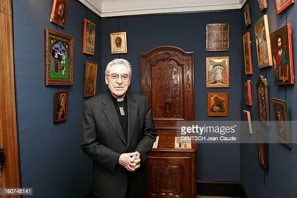 Rendezvous With Cardinal Jeanmarie Lustiger Plan de face souriant du cardinal JeanMarie LUSTIGER posant dans une pièce décorée d'icones religieuses...