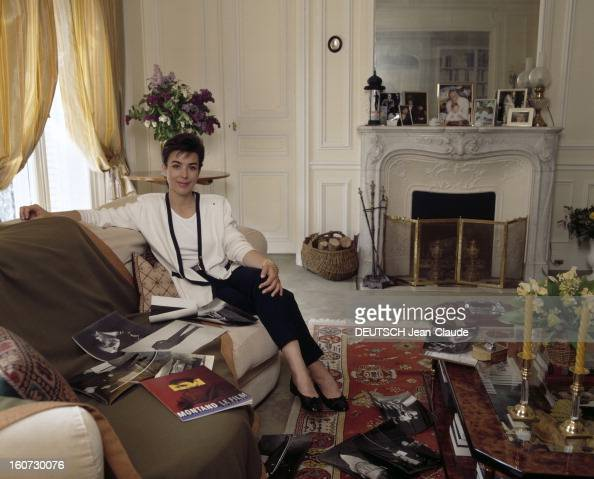Rendezvous with carole amiel pictures getty images for Nue dans son salon