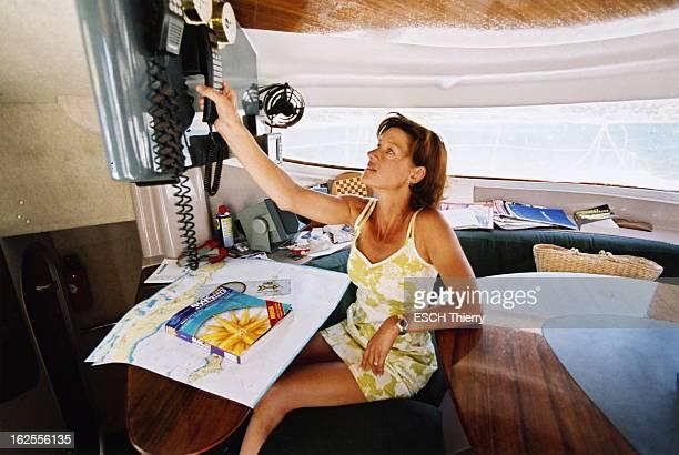 Rendezvous With Carole Gaessler On Holiday In The Var Carole GAESSLER à bord d'un catamaran de location lors de vacances à BORMESLESMIMOSAS...