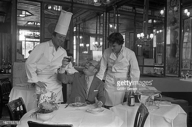 Tenue de chef cuisinier stockfoto 39 s en beelden getty images for Cuisinier oliver