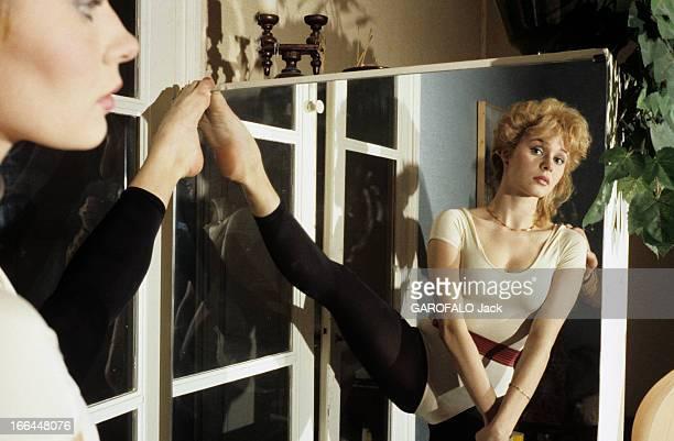 Rendezvous With 'Cocogirl' Alexandra Sandel janvier 1985 Reportage sur Alexandra SANDEL coco girl de l'émission de Stéphane COLLARO sur TF1 chez elle...