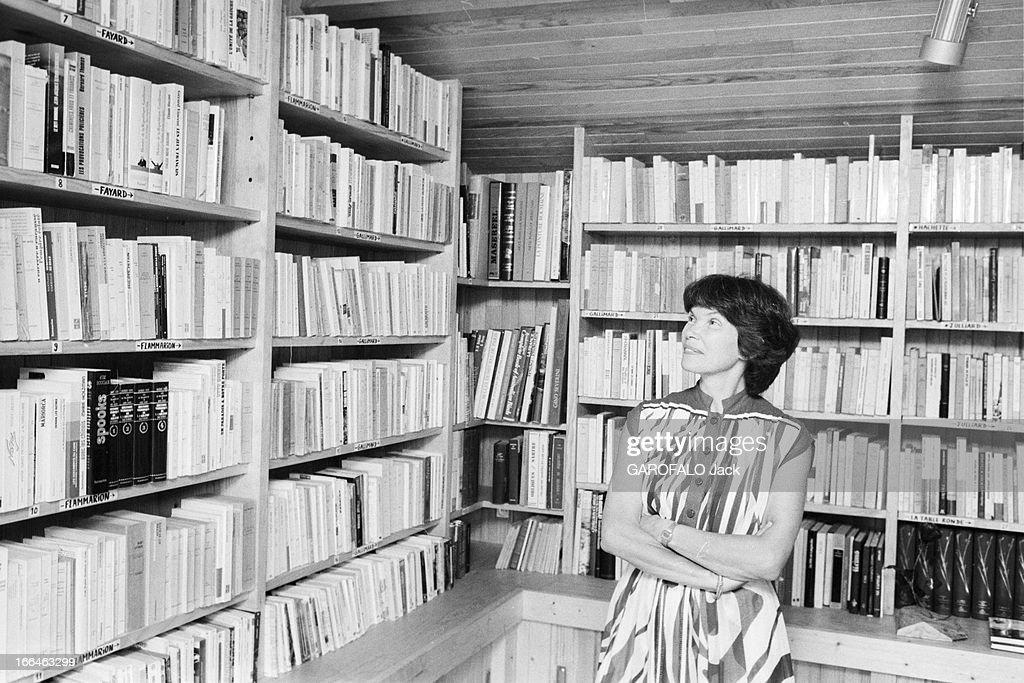 Danielle mitterrand getty images - La maison de la bibliotheque ...